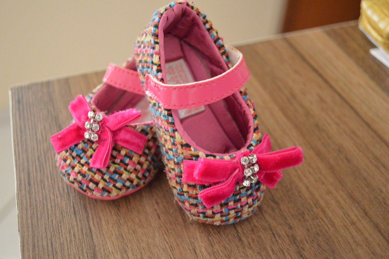 Stylish shoes are one of many great gift ideas for baby girls ... photo by CC user gilprata on pixabay