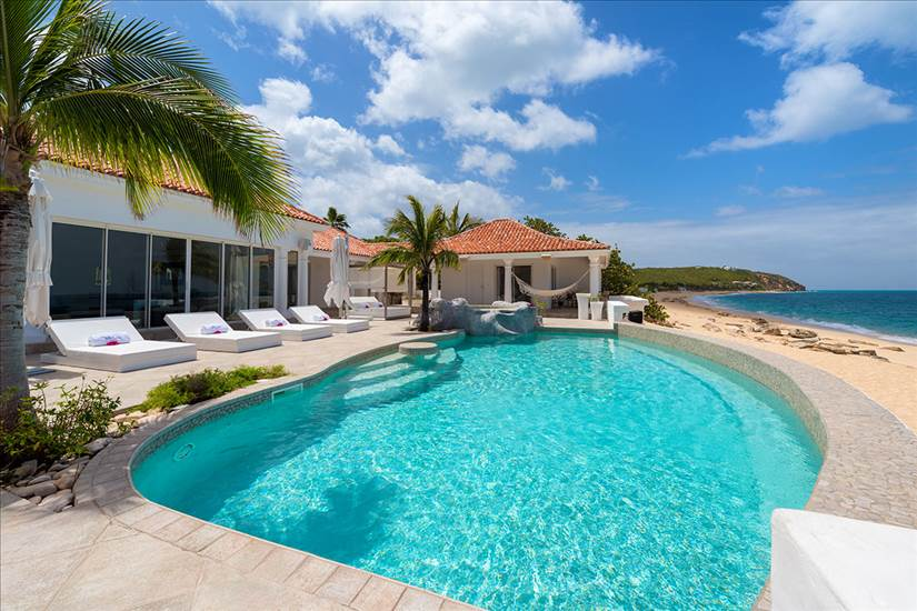 There are many Family friendly attractions in St. Martin just a short walk from this villa and others ... photo courtesy of luxuryretreats.com
