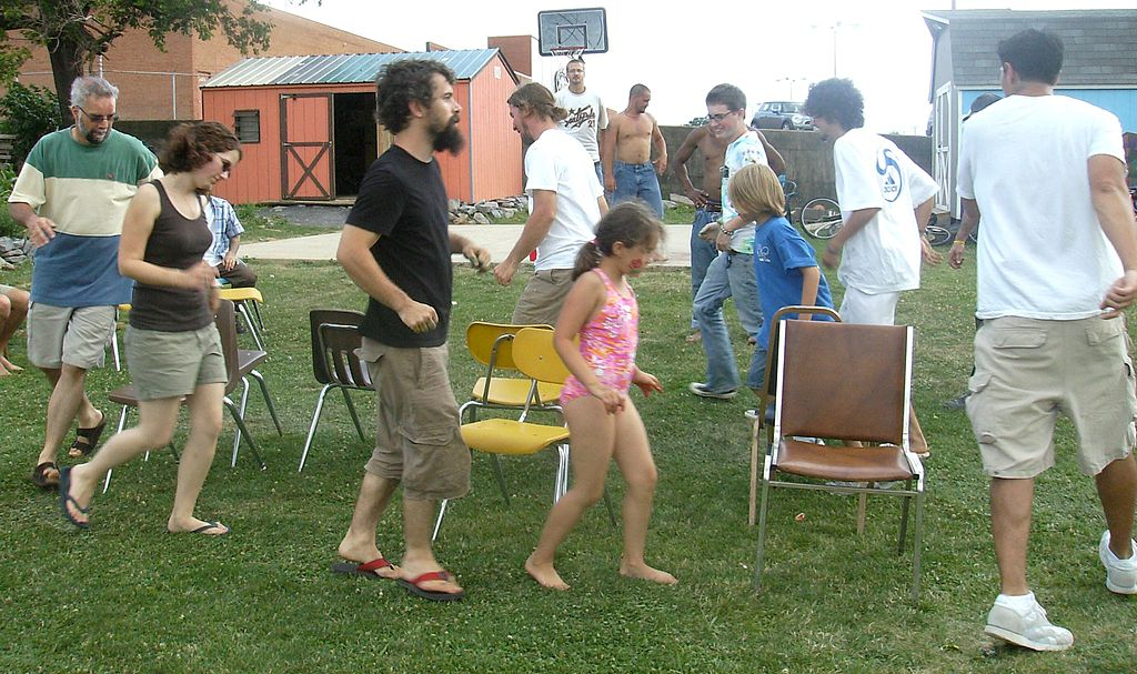 Retro Party Games such as musical chairs can still be popular today ... Photo by CC user Artaxerxes on wikimedia commons